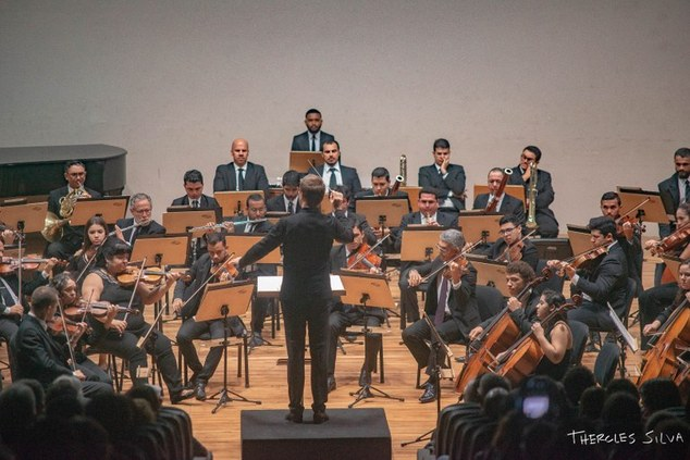 Orquestra Sinfônica apresenta concerto com regência do maestro Marcos Arakaki